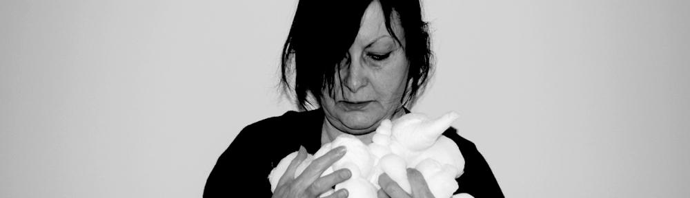 Photographie numérique - Autoportrait - Résidence chez Action Art Actuel - Arts de la fibre - Formes ressemblant à des cocons