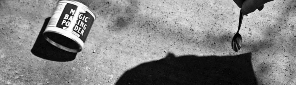 Projet Sonder la track - Performance - Déambulation en duo - Poudre magique