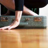 Nicole Panneton - Dans la valise 2 - Action performative en atelier - Valise - Autre espace temps - 2014