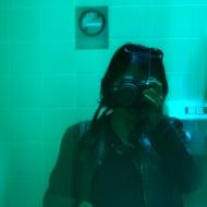Nicole Panneton - Autoportrait couleur piscine - Projet Contenant furtif - Photographie numérique - 2013