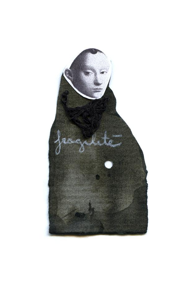 Nicole Panneton - Fragilité - Série L'inconnue - No 10 - Collage, encre sur papier et fil crocheté - 2014