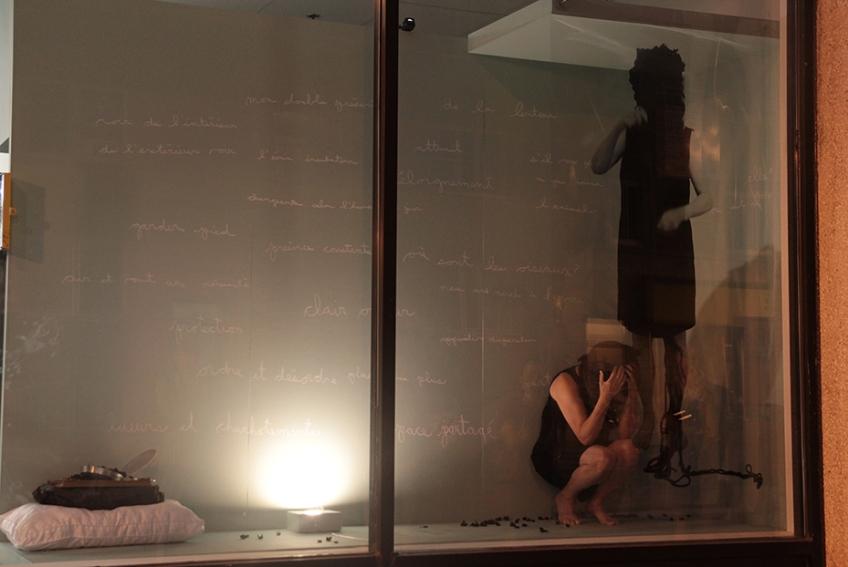 Nicole Panneton - Taire ce qui ne peut être dévoilé - L'Écrin - L'imprimerie centre d'artistes - Performance du 11 juillet 2018 - Crédit photo Caroline Boileau - IMG_0203